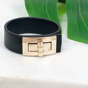 Express • Vegan Leather Turn Lock Wrap Bracelet